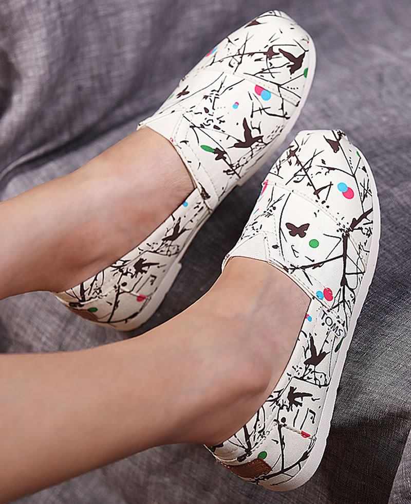 TOMS Women's Classic Trees Prints Casual Slip-On Shoes - White